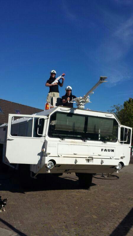 Oude brandweerauto omgetoverd tot Party Crasher