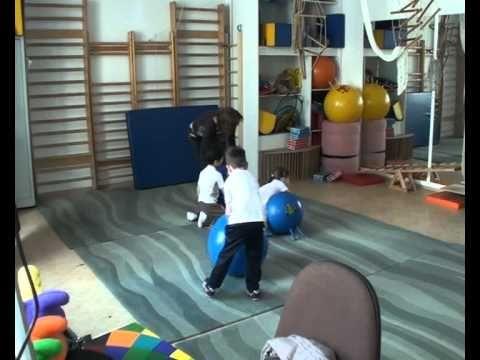Kiscsoportos mozgásfejlesztő foglalkozás óvodásoknak - YouTube