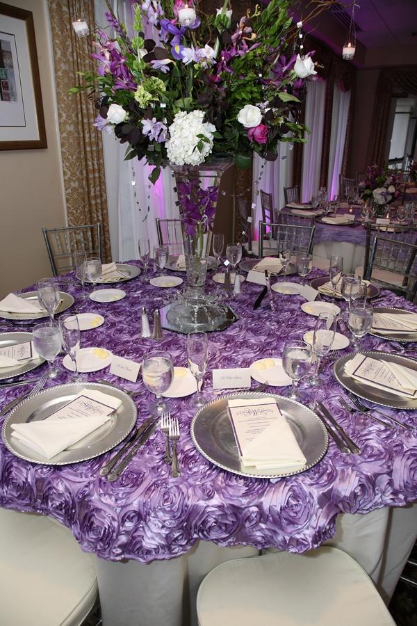 Top 25  best Wedding tablecloths ideas on Pinterest   Tablecloths  Party table  cloths and Banquet tableclothsTop 25  best Wedding tablecloths ideas on Pinterest   Tablecloths  . Purple Tablecloths For Wedding. Home Design Ideas