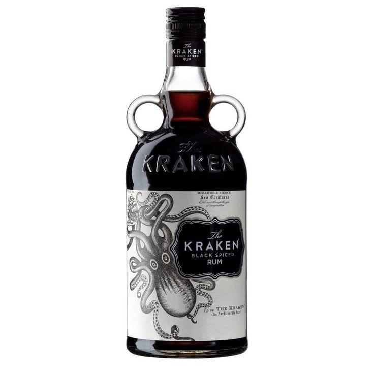 """Ron Kraken Black Spiced por sólo 24,10 € en nuestra tienda En Copa de Balón:    https://www.encopadebalon.com/es/ron/739-ron-kraken-black-spiced    Kraken Black Spiced es un ron elaborado con una mezcla de rones procedentes del Caribe. El color negro oscuro está inspirado en el negro de la tinta misteriosa con la que, según la leyenda, el Kraken cubría a su presa. Kraken ha sido nombrada una """"Hot Brand"""" por la revista Impact."""