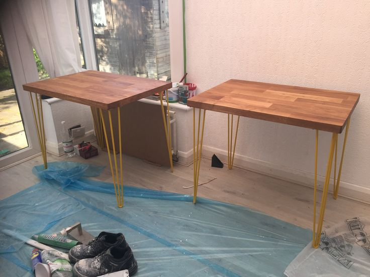 Little dining tables for the nook in the kitchen, made from offcuts from the kitchen worktops and table legs from eBay #DIY