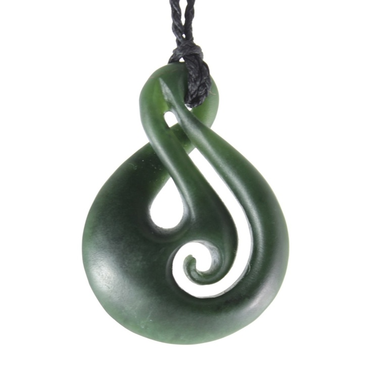 Pounamu greenstone carving by luke leaf jewelry