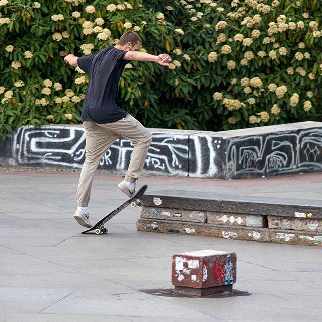 Skateboarders Having Fun At Letna Hill In Prague With Wempsikk Skateboarding Skate Skateboard Skatelife Skateboarding Skateboard Skate Park Instagram