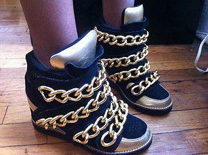 La quasi chaîne chaussures en daim noir or, chunky cales chaussures baskets pour les femmes