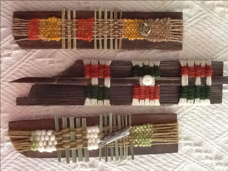 Pequeños telares sobre maderas de alerce Chile