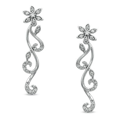 The timeless appeal of flowers and diamonds, in one.Diamonds Stores, Diamonds Earrings, Feelings Pretty Oh, Bff Hope, Ears Rings, Diamond Earrings, Dazzle Diamonds, Ooo Lala, America Diamonds