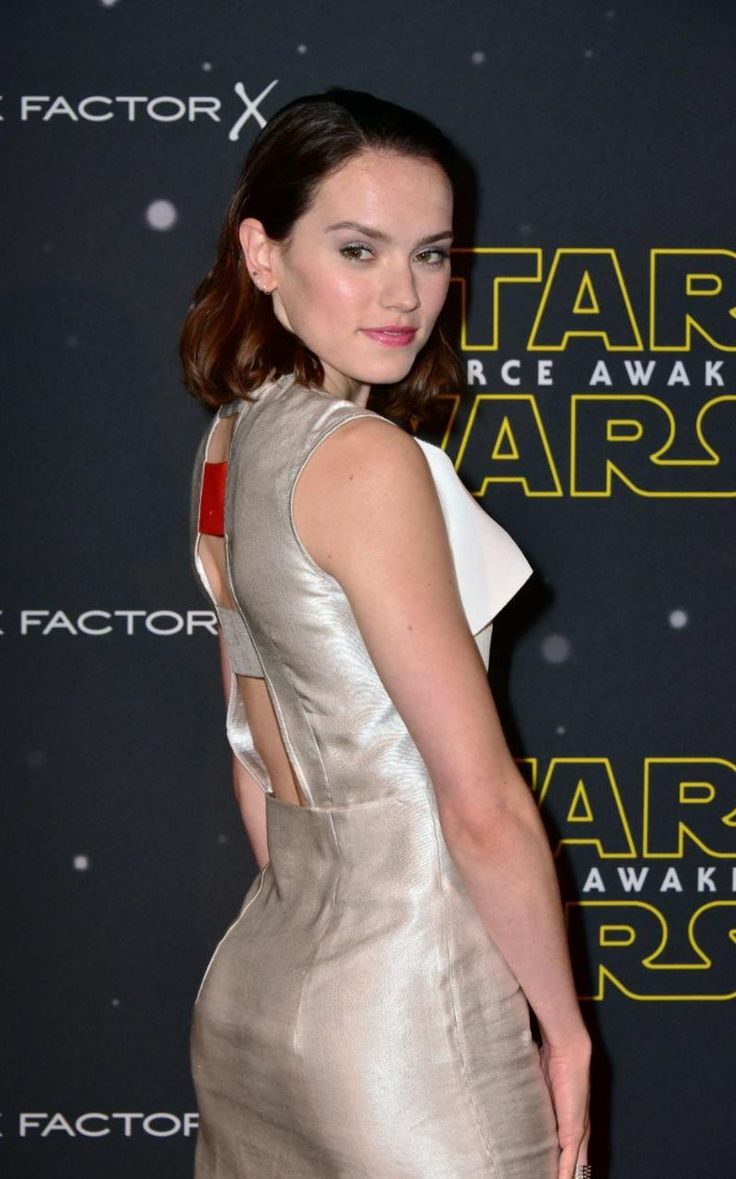 Daisy Ridley at the Star Wars Fashion Finds the Force event