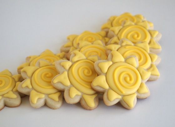 Tangled Sun Sugar Cookies for a Rapunzel Birthday Party