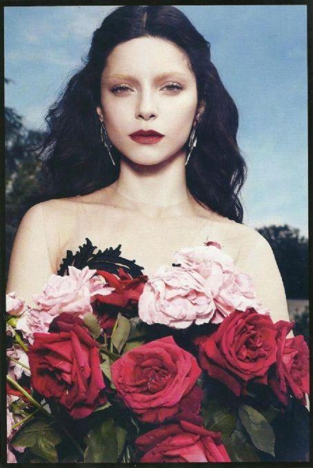 Merve Bolugur - Vogue Magazine Pictorial [Turkey] (September 2012)