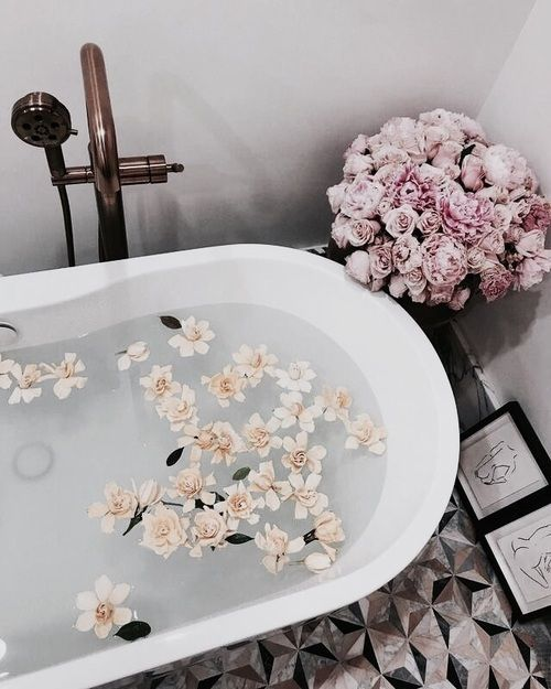 Small Bathroom Decor Tumblr: Best 25+ Spa Room Decor Ideas On Pinterest