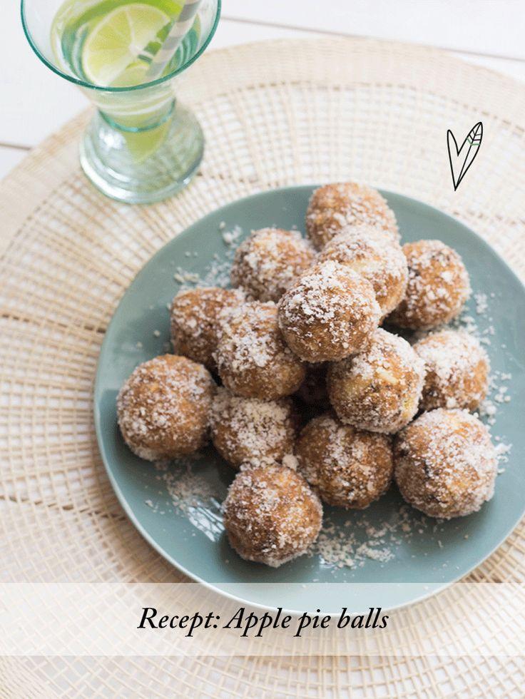 Deze balletjes zijn net mini appeltaartjes: de perfecte zoete snack voor als je een energyboost nodig hebt! Beheers jij je nog met deze apple pie balls?
