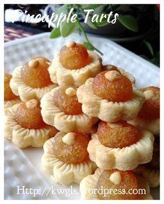 Open Pineapple Tarts
