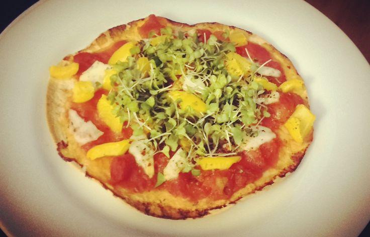 Pizza & een gezonde levensstijl: het lijkt een onmogelijke combinatie. Uiteraard: elke dag een vette Amerikaanse pizza naar binnen werken zal je slanke taille...
