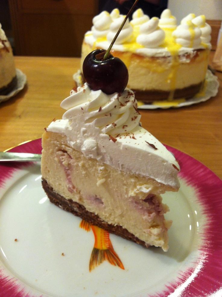 Amaretto cheesecake | Nuestra tienda | Pinterest ...