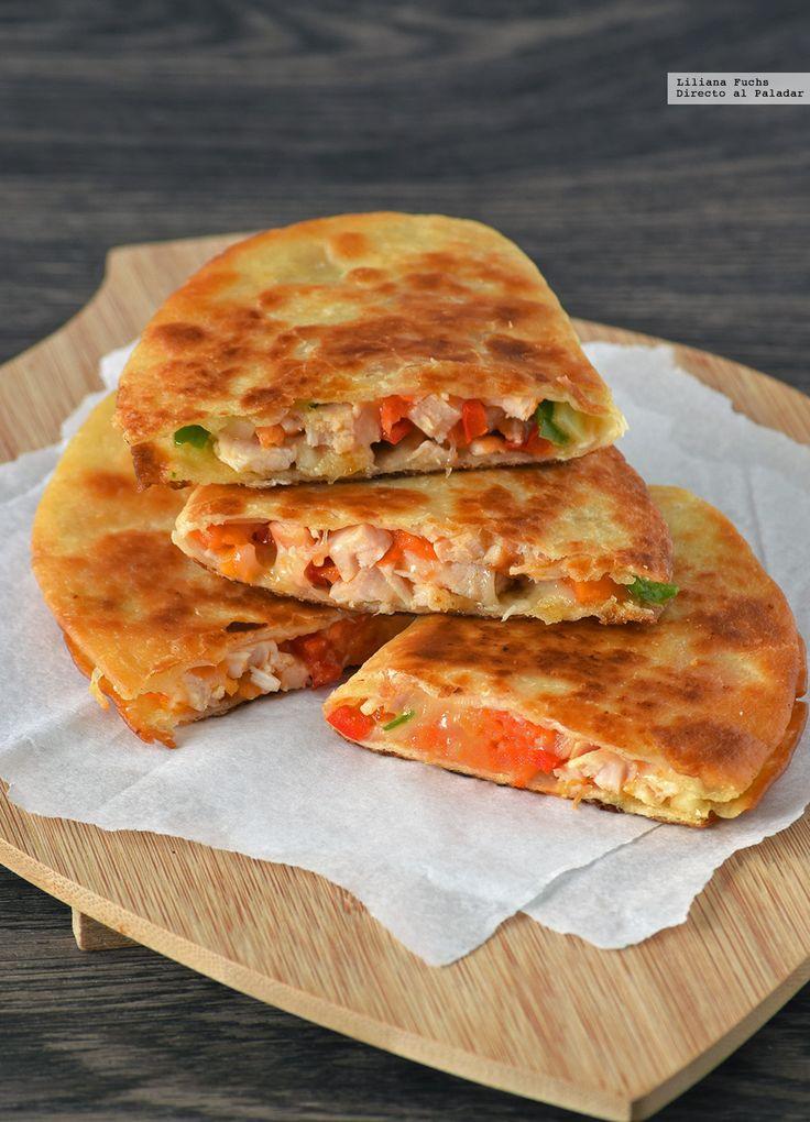 Te explicamos paso a paso, de manera sencilla, la elaboración de la receta de Quesadillas de pollo, papaya y provolone. Ingredientes, tiempo de elaboración