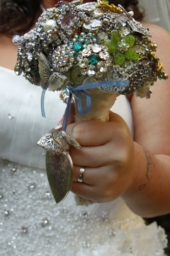 Bouquet with lockets attached :(