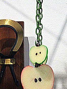 buon venerdì nuovi arrivi, collana e orecchini mela made in TO