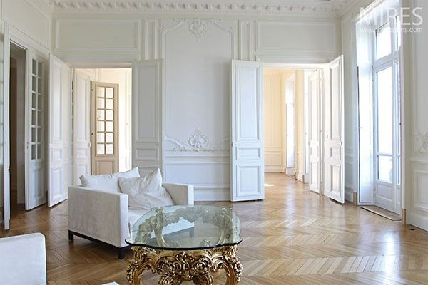 Paris inspiration, chevron floors, gold, white...