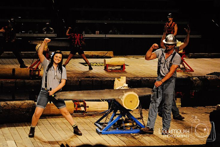 Looking for something fun to do in Pigeon Forge? Why not check out the Lumberjack Feud! This is fun for the entire family!