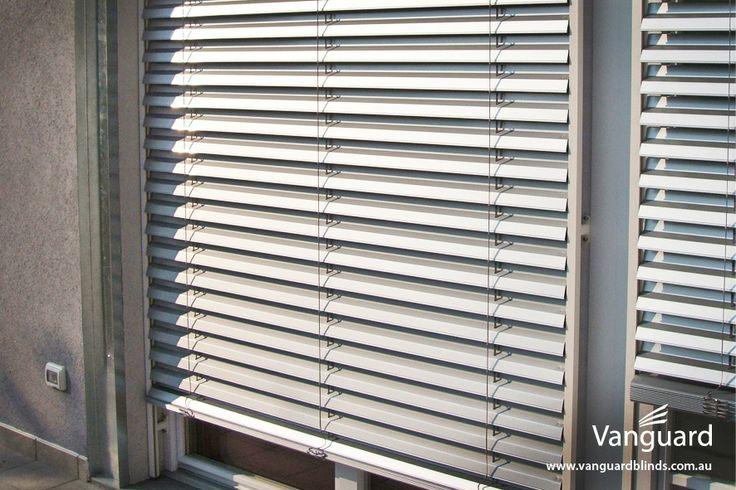 AR92Z External Venetian Blinds