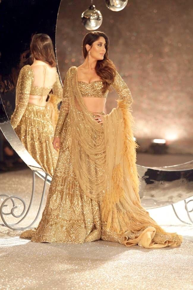 Kareena Kapoor Khan dazzles in a golden shimmer lehenga by Falguni ...