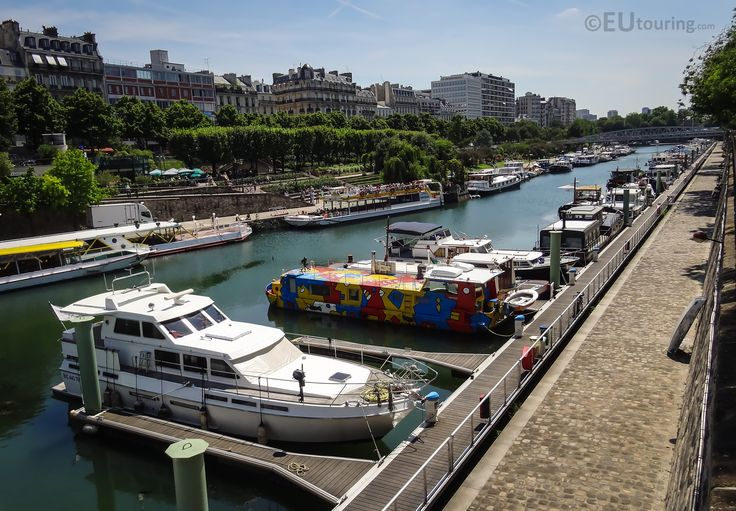 Looking down Port de l'Arsenal, with many privately owned leisure crafts moored up.  Want to learn more? Go to www.eutouring.com/images_port_de_l_arsenal.html