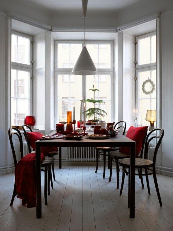 Table is set! Minimalistic table setting by Iittala