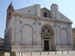 Tempio Malatestiano, Rimini.    The Sala San Gaudenzio, next to the Cathedral, is the venue for the Tempio Malatestiano – a museum of vestments, chalices, paintings, ancient manuscripts and 14th-15th century reliquaries.