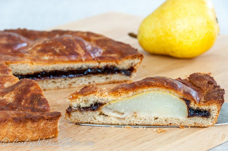 The cake can be described as a mix of several recipes in one, bakewell tart, jam crostata and fresh pear pie among them. I selected the soft and flaky dough, which slightly reminds scone dough, but…