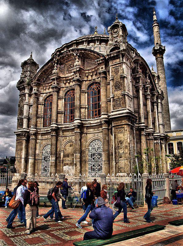 Ortaköy - İstanbul (scheduled via http://www.tailwindapp.com?utm_source=pinterest&utm_medium=twpin&utm_content=post79132841&utm_campaign=scheduler_attribution)