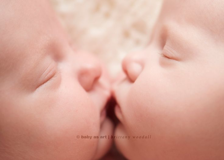 come on!! how sweet!Newborns Baby Photography, Twin Photography, My Heart, Newborns Twin, Baby Pictures, Newborns Photography, Heart Melted, Photography Ideas, Twin Photos
