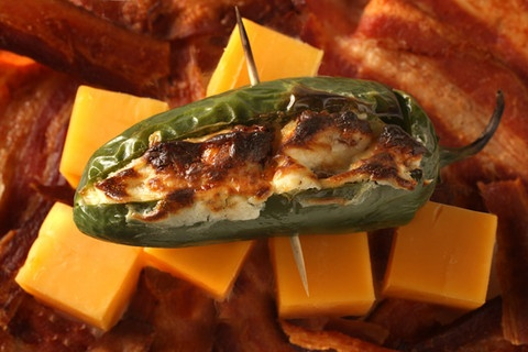 Bacon and Cheddar Jalapeño Poppers: Appetizers Recipes, Poppers Recipes, Cheddar Jalapeño, Cream Cheese, Bar Snacks, Jalapeno Poppers, Bacon Jalapeno Poppers, Bacon Cheddar, Cheddar Jalapeno