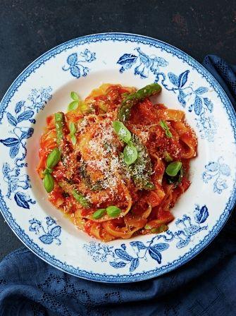 Easy peasy tomato tagliatelle