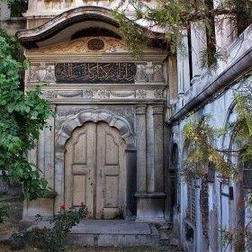 Nusretiye Camii - Sultan Girişi  arka Kapı  -