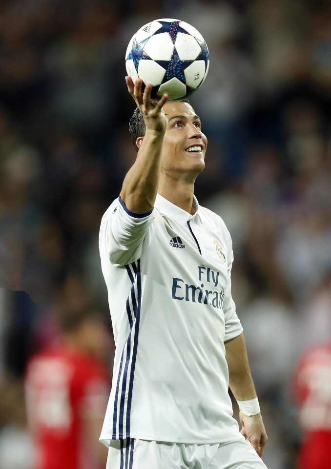 Cristiano Ronaldo S Hat Trick Seals Dramatic Victory But Two Of His Extra Time Goals Look Offside Cristiano Ronaldo Ronaldo Christiano Ronaldo