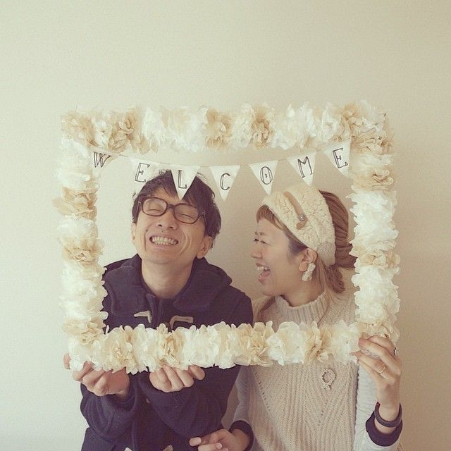 This frame is not only elegant and fun but the size creates an intimate photo! The mini banner would be easy to make and could say the name of a wedding couple, birthday girl or new baby.