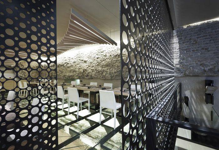 Unique and fascinating restaurant decor