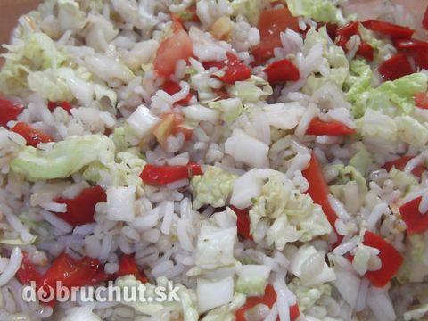 Fotorecept: Krúpovo-ryžový zeleninový šalát