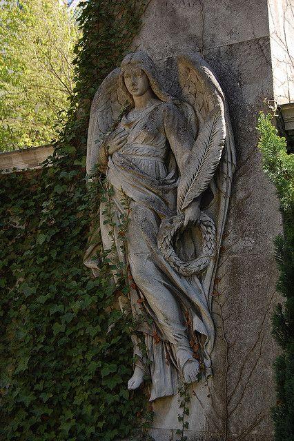 Angel Luis City Cemetery, Berlin