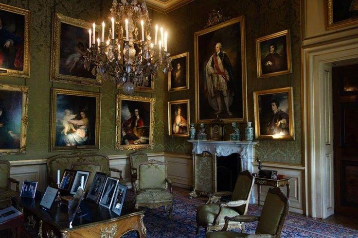 Eşi Sarah ile bu evi özellikle Kraliçenin Sarah ile olan arkadaşlığından dolayı almıştır... Daha fazla bilgi ve fotoğraf için ; http://www.geziyorum.net/blenheim-palace/