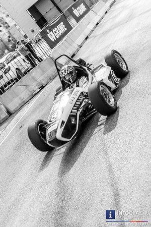 """AutoEmotion in der 2015 Stadthalle Graz am Sonntag 22. März 2015. Mit """"Vollgas"""" hat auch heuer wieder die AutoEmotion in der Stadthalle in Graz durchgestartet. Südösterreichs größte Neuwagenmesse bot alles, was das Autofahrerherz begehrt.  """"#AutoEmotion #2015"""" """"#Stadthalle #Graz"""" #Vollgas """"#TU #Graz #Racing-#Team"""" """"#Südösterreichs #größte #Neuwagenmesse"""" """"#PS-#starke #Sportwagen"""" """"#Foyer #Süd"""" """"#Nissan #GT-R"""" """"#Porsche #911 #GTS"""" """"#BMW #i8"""" """"#Ferrarri  #458"""" #Freigelände #Mitmachen PS-Fans…"""
