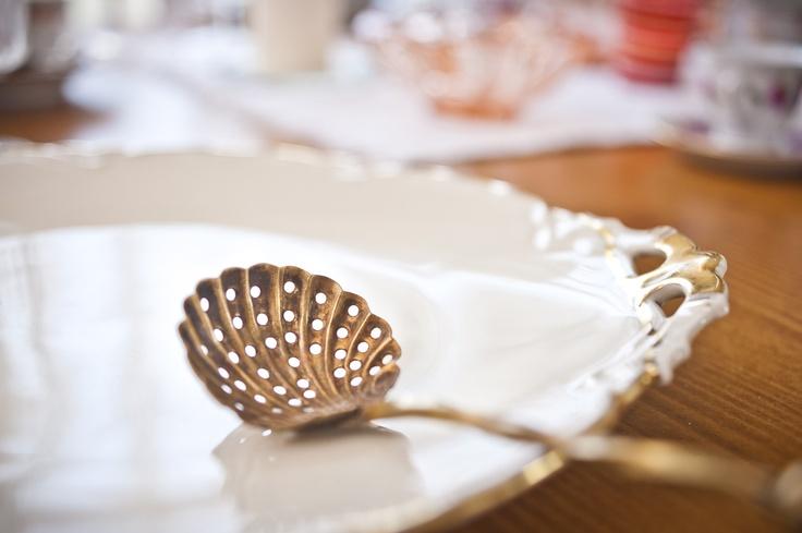 antique dinnerware