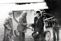 Charles Lindbergh lands in spokane Sept. 12, 1927 HistoryLink.org- the Free Online Encyclopedia of Washington State History
