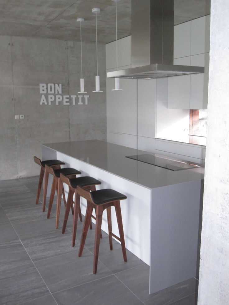 1000 images about bar stools on pinterest for Moderne zeitraum