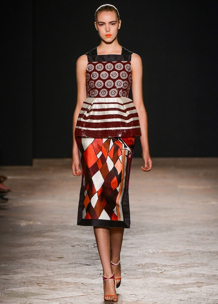 Love the structure and patterns of look #23 from Aquilano.Rimondi.