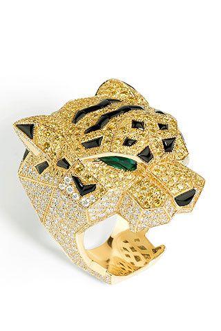 Anillo tigre de oro amarillo, diamantes amarillos, esmeraldas, ónix y brillantes, de la colección Inde Mystérieuse de Cartier.