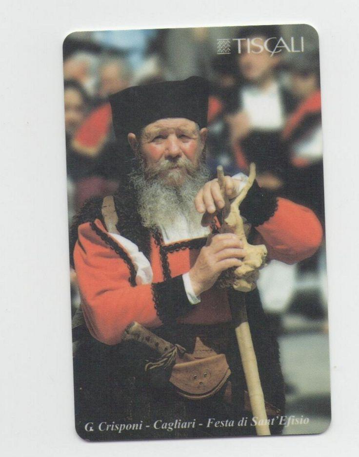 Quest'uomo in costume sardo è Tiu Gaetanu mio nonno. Colui che mi ha trasmesso l'amore mia terra, ricca di tradizioni millenarie.