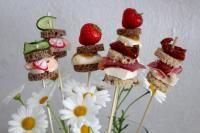 Ihanan makuisia leipätikkareita voi tarjoilla juhlissa, jossa pienet suolaiset naposteltavat tekevät varmasti kauppansa. Jokaiselle limpulle on valittu mukavat makuparit.