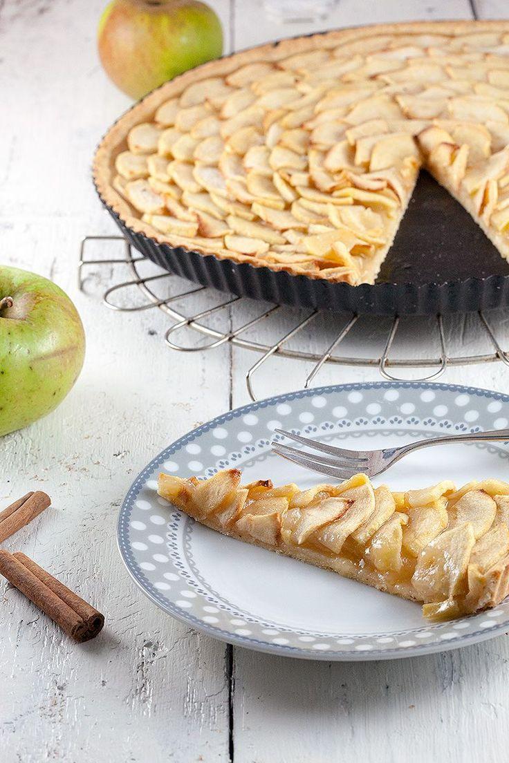 Thin crusted apple pie