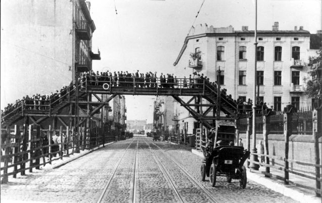 Warsaw, Poland, Jews crossing the pedestrian bridge connecting the two parts of the ghetto